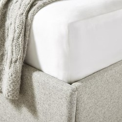 Audley Pure Silk Deep double fitted sheet, W190 x L140 x D34cm, chalk
