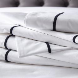 Savoy - 400 Thread Count Egyptian Cotton Super king flat sheet, W305 x L275cm, White/Navy