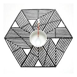Pinwheel Set of 4 geometric placemats, 36 x 42cm, black