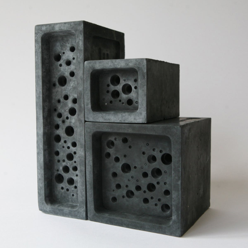 Bee Block Small bee house, 6.5 x 7 x 10.5cm, Charcoal