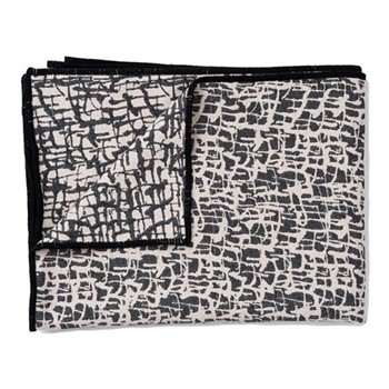 Boulder Throw, 140 x 180cm, black