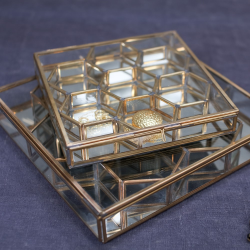 Bequai Large honeycomb box, 27 x 28cm, Antique Brass