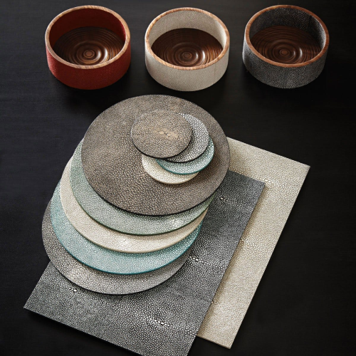 Faux Shagreen Set of 4 round placemats, 22cm, Taupe