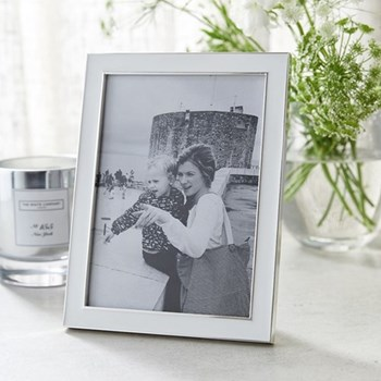 "Resin Photograph frame, 5 x 7"", white/silver"