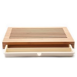 Sbriciola by Anna & Gian Franco Gasparini Bread board with crumb catcher, bamboo wood