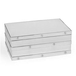 Box 22.9 x 15.2 x 10.2cm
