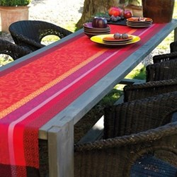 Provence Runner, 55 x 150cm, strawberry
