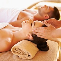 Indian head massage for two