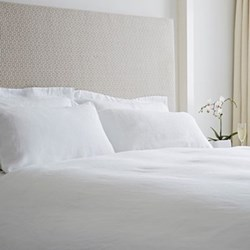 Super king size flat sheet, 300 x 270cm, white