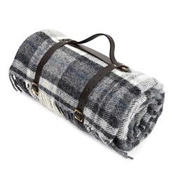 Waterpoof picnic rug with leather straps 145 x 183cm