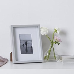 "Fine Wood Photograph frame, 4 x 6"", grey"
