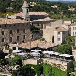 Truffle hunt and wine break for two at hotel Crillon le Brave