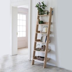 Hambledon Oak shelf ladder, H180 x W 48 x D35cm, oak