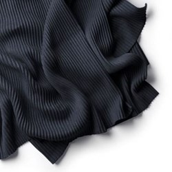 Pleece Throw, 140 x 170cm, black