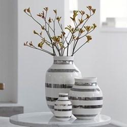 Omaggio Vase, H20 x W16.5cm, silver