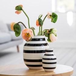 Omaggio Vase, H20 x W16.5cm, black
