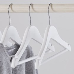 Set of 6 baby clothes hangers 18 x 27cm