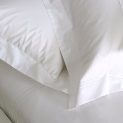 Quattro Super king size fitted sheet, 205 x 205cm, white