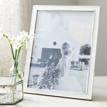 "Resin Photograph frame, 8 x 10"", white"