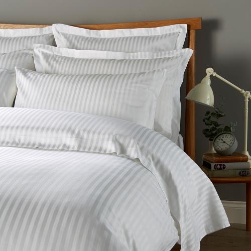 300 Thread Count Sateen Stripe King size duvet cover, L230 x W220cm, White