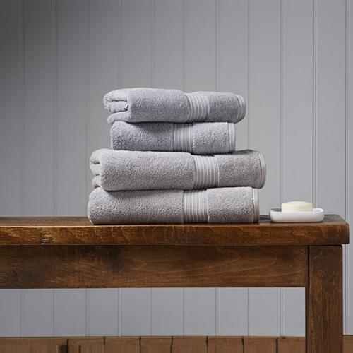 Supreme Hygro Pair of bath towels, 75 x 137cm, Silver
