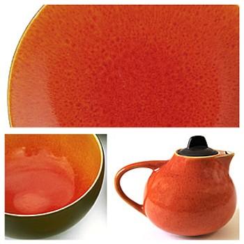 Tourron Pair of jumbo cups and saucers, 45cl, orange