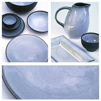 Tourron Pair of jumbo cups and saucers, 45cl, gris ecorce