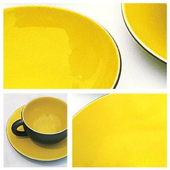 Tourron Pair of teacups and saucers, 18cl, citron