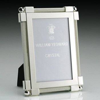 """Classic Photograph frame, 4 x 6"""", silver plate and shagreen white"""