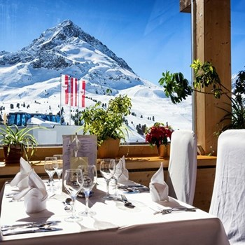 Mountain restaurant lunch for two