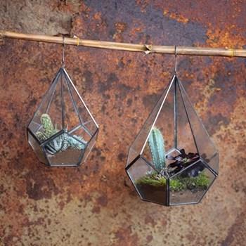 Manduri Hanging planter, 25.5 x 20cm, antique zinc