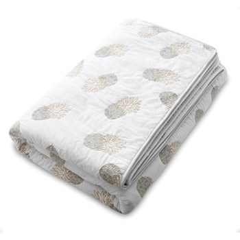 Luxury Ananas King size quilt, 230 x 220cm, white