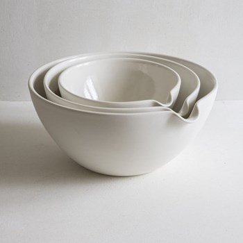 Set of 3 mixing bowls pouring, small, medium, large, 20/25/30cm, half glazed porcelain