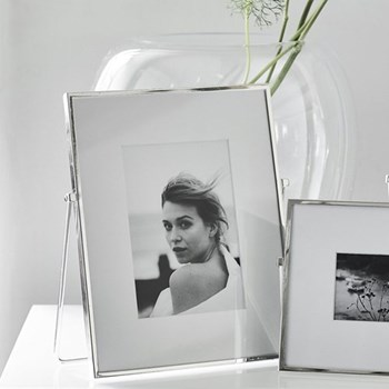 "Easel Photograph frame, 4 x 6"", fine silver"