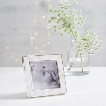 "Mother of Pearl Photograph frame, 3 x 3"", white"