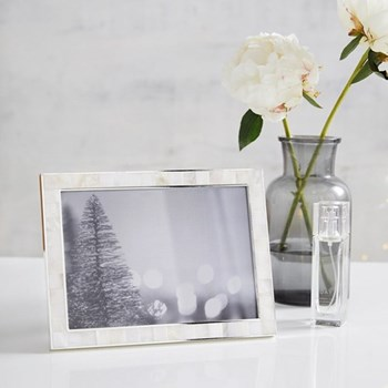 "Mother of Pearl Photograph frame, 5 x 7"", white"