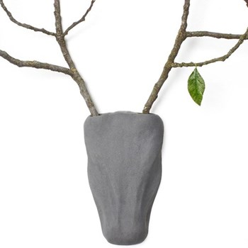 Concrete wall-mounted trophy vase L14.5 x W4 x H24cm