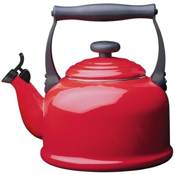 Traditional Kettle with whistle, 2.1 litre, cerise
