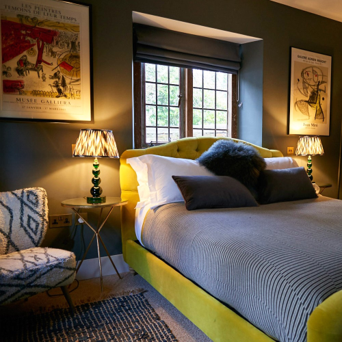 2 nights in Rhino/Wolf Lodge and Port Lympne Hotel, weekend-low season