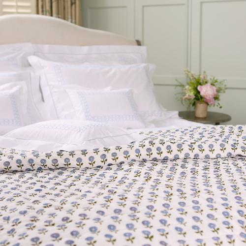 Daisy King/super king size quilt cover, 265 x 265cm, Blue Cotton