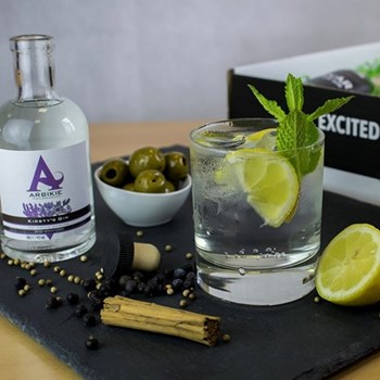 Craft gin box subscription, 1 month