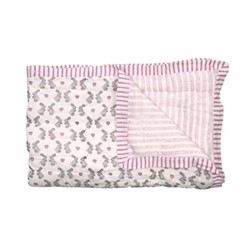 Bunnies Cot quilt, 100 x 140cm, pink cotton