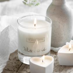 White Lavender Signature candle, H8.5 x W7 x L7cm