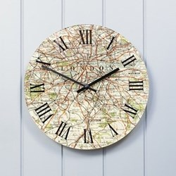 Clock with personalised D30cm