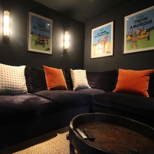 2 nights in Rhino/Wolf Lodge and Port Lympne Hotel, midweek-low season