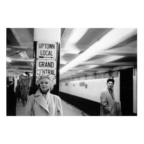 Marilyn in Grand Central Station Framed photograph, H56 x W71cm