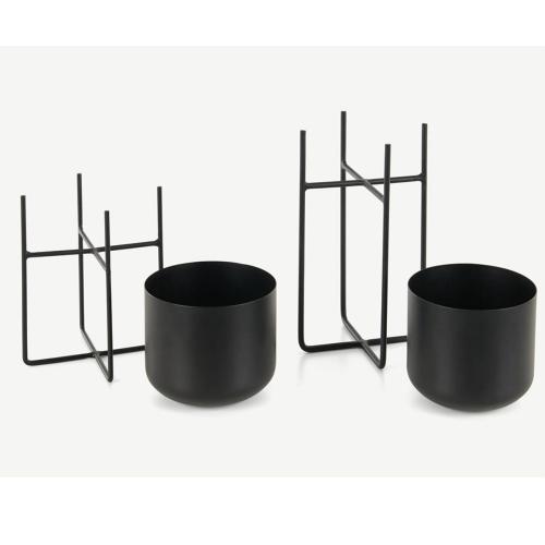 Salix Set of 2 standing planters, H17 x W17cm, Black