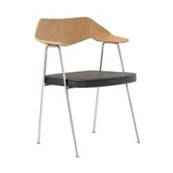 Oak chair H79.4 x W64 x D52cm