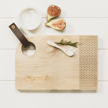 Small curved sycamore serving board with leather tab L30 x W20 x H2cm