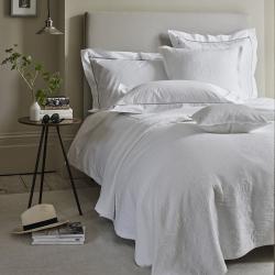 Vintage Etienne - Cotton Super king bedspread, 280 x 260cm, White